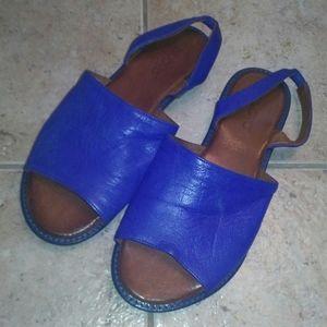 Cobalt blue genuine leather flat sandals 37 US